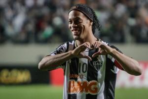 Ronaldinho durante i festeggiamenti (fonte: Flickr.com, Clube Atletico Mineiro)