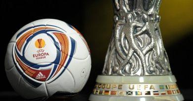 Il trofeo dell'Europa League (Fonte: Diego Sideburns flickr.com)