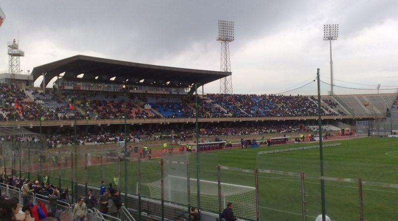 Stadio Sant'Elia di Cagliari - Fonte: Gigidelneri (Wikipedia)