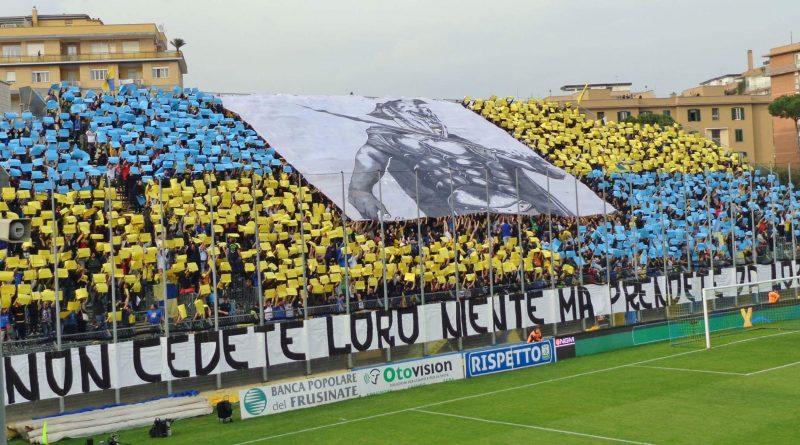 Tifoseria Frosinone - Fonte immagine: Roberto Celani, Wikipedia
