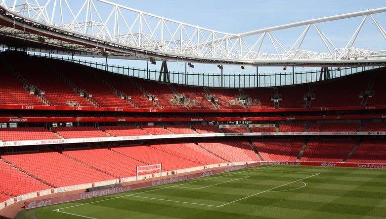 Fonte: Emirates Stadium, Nazmi Amin-Tai - Wikipedia
