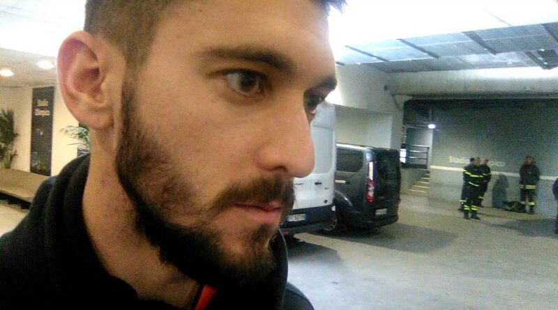 Facundo Ferreyra in mixed zone - Fonte immagine: Soccermagazine