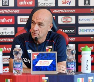 Mister Davide Ballardini in conferenza stampa (foto genoacfc.it)
