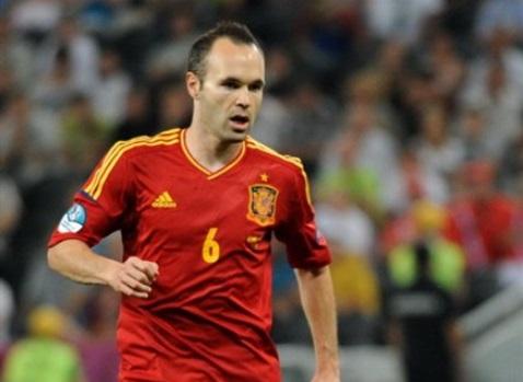 Iniesta nella Spagna - Fonte: Дмитрий Неймырок, Football.ua - Wikipedia