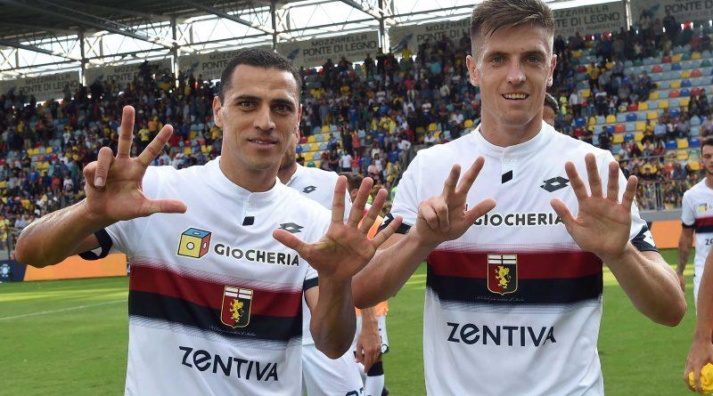 Foto: Piatek e Romulo durante Frosinone-Genoa Fonte: genoacfc.it