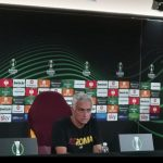 Mourinho in conferenza a Trigoria